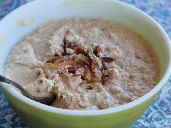 Photo: Caramelized Onion Hummus