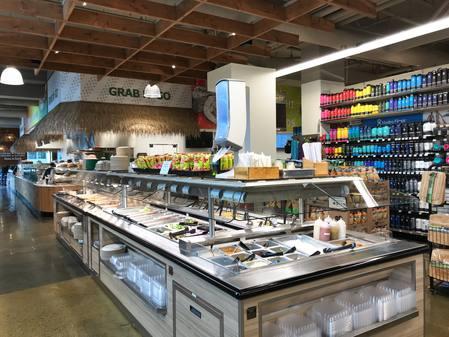 Photo: Deli hot table and salad bar at Down to Earth Kakaako