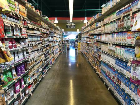 Photo: One of several grocery isles at Down to Earth Kapolei.